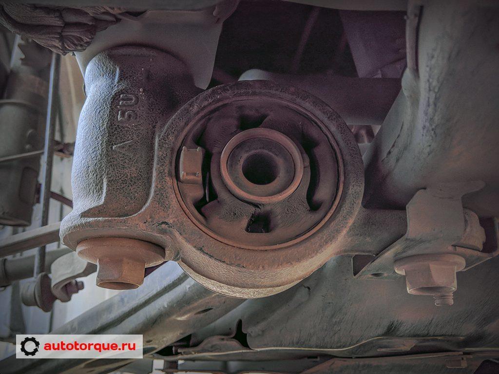 задний сайлентблок переднего рычага Mazda cx-5 (2)