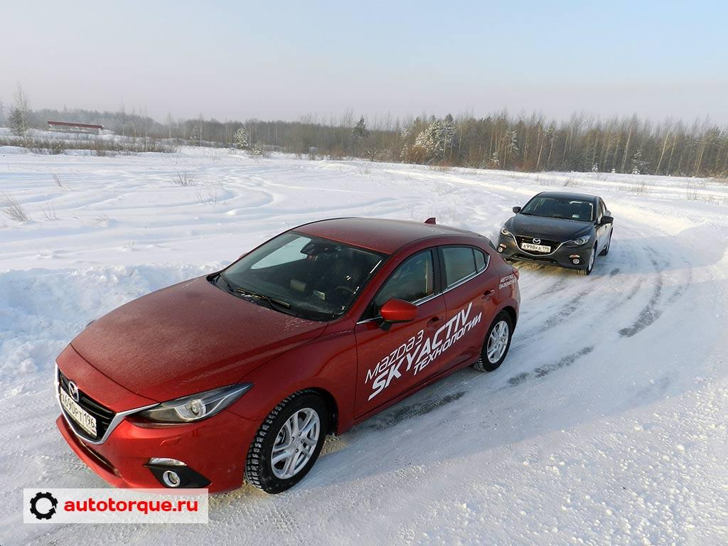 Mazda-3-BM-по-дороге
