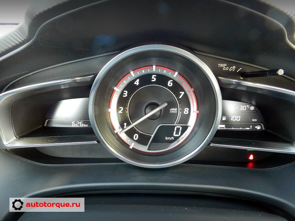 Mazda-3-BM-приборная-панель