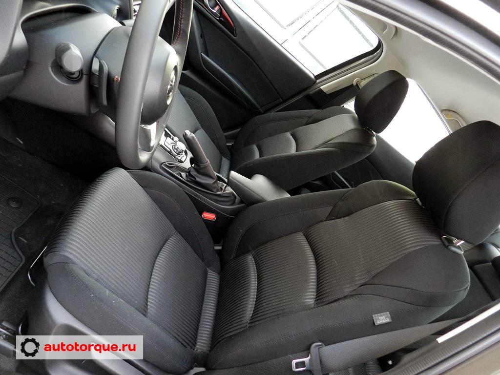 Mazda-3-BM-водительское-сиденье