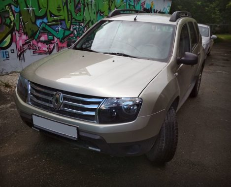 Renault Duster без лого