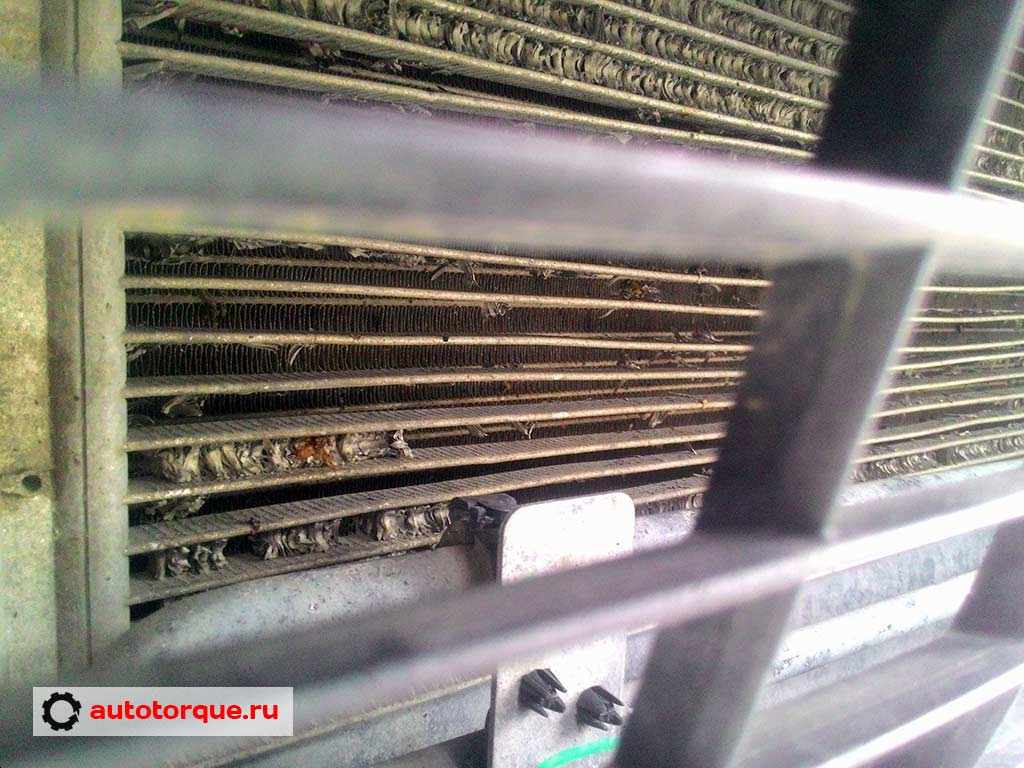 Renault-Duster-конденсатор-кондиционера
