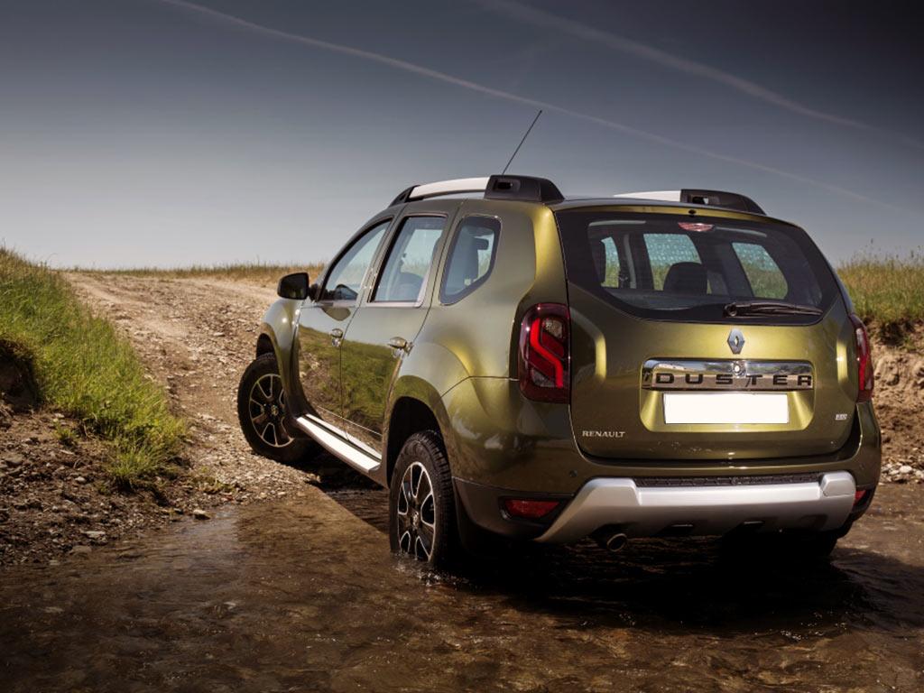 Renault-Duster-рестайлинг-сзади