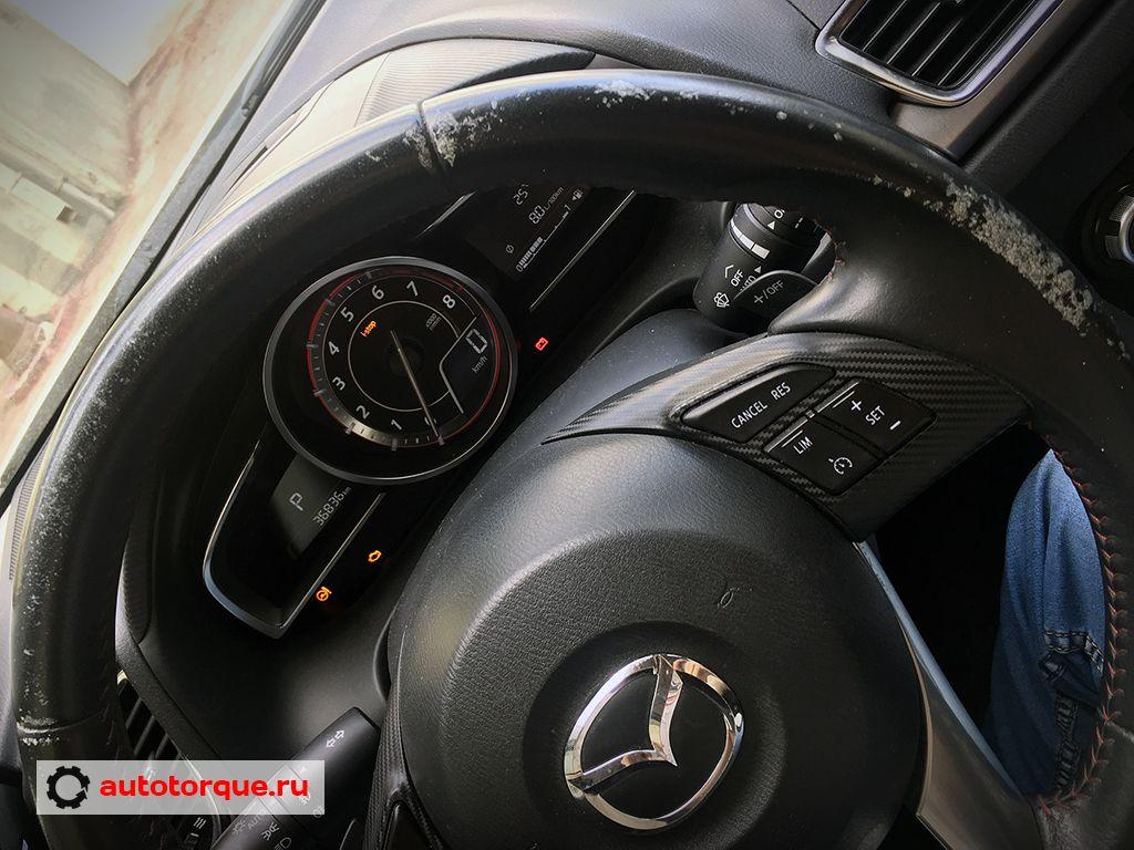 руль облазит Mazda 3 BM