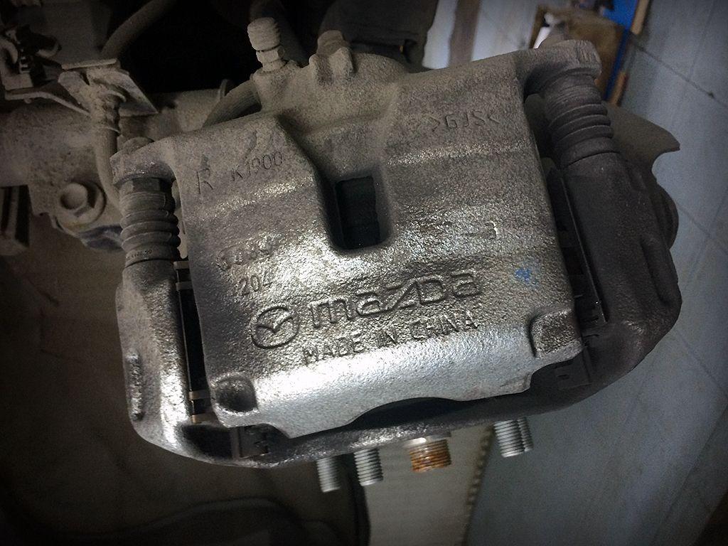 Суппорт Mazda 3 BM