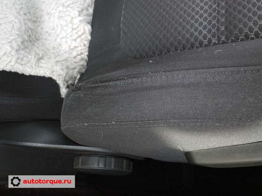 Volkswagen-Jetta-6-боковина-водительского-кресла