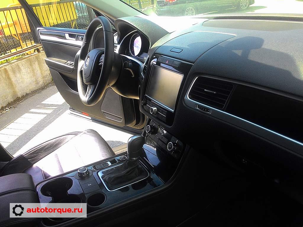 Volkswagen-Touareg-2 салон