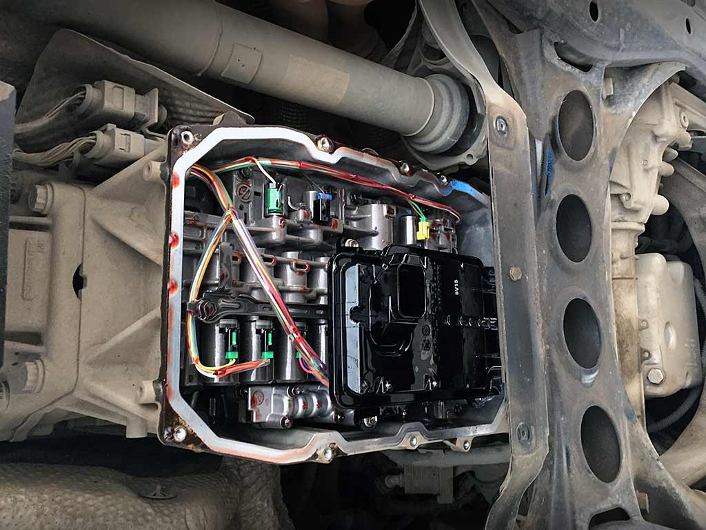 замена-масла-в-акпп-Volkswagen-Touareg
