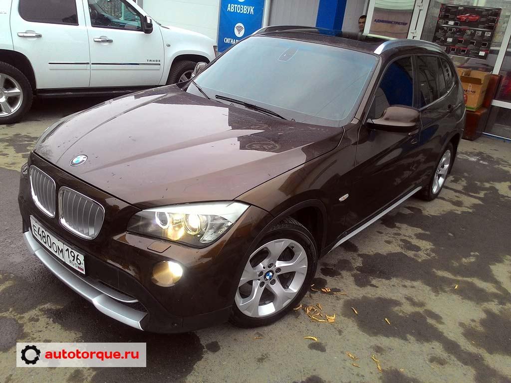 BMW X1 коричневый