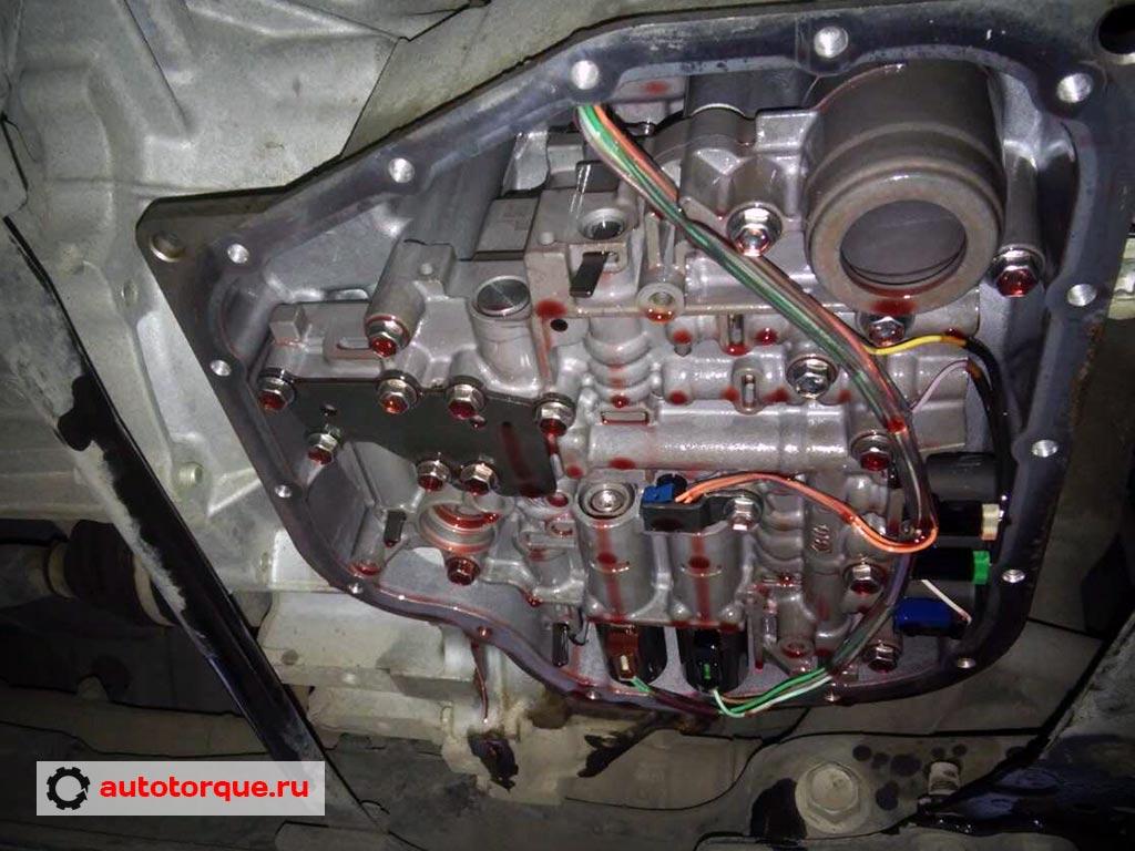 замена-масла-вариатор-aisin-Corolla-E180