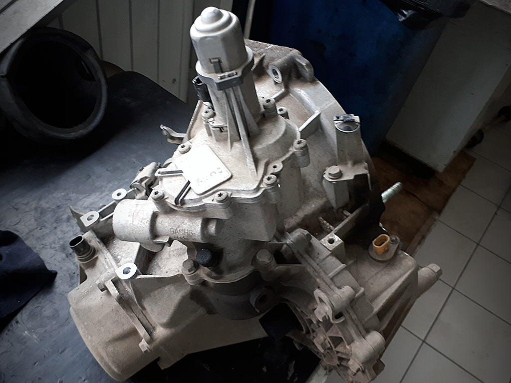 Lada Vesta робот