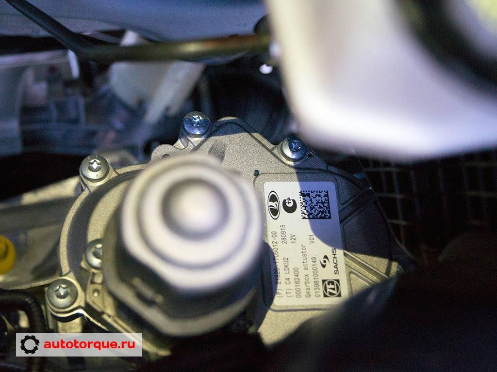 Lada Vesta сцепление робота