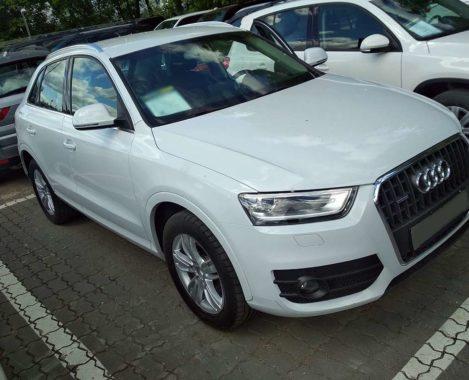 Audi Q3 спереди сбоку