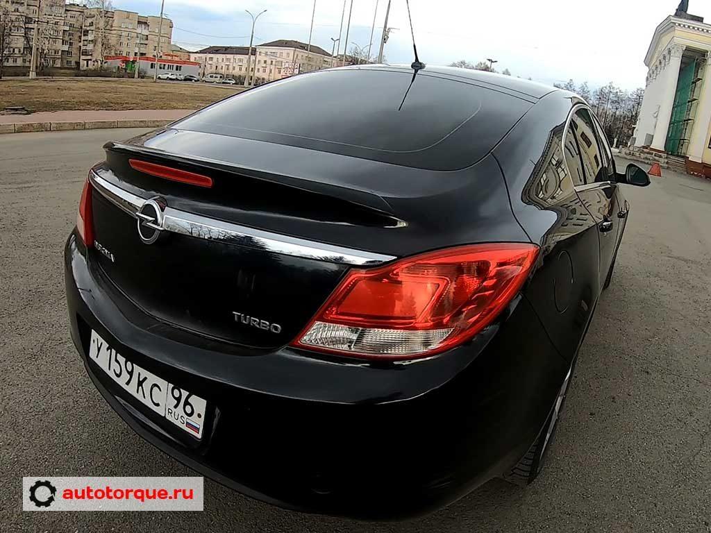 Opel Insignia лифтбек сзади