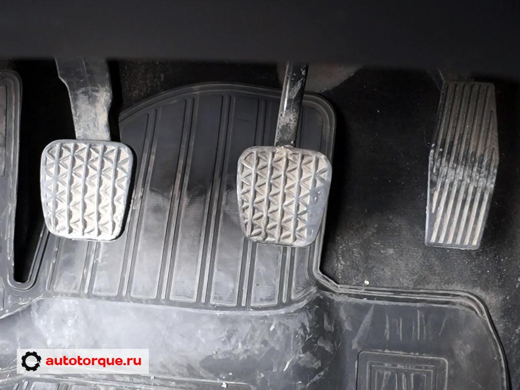 Opel Insignia педальный узел