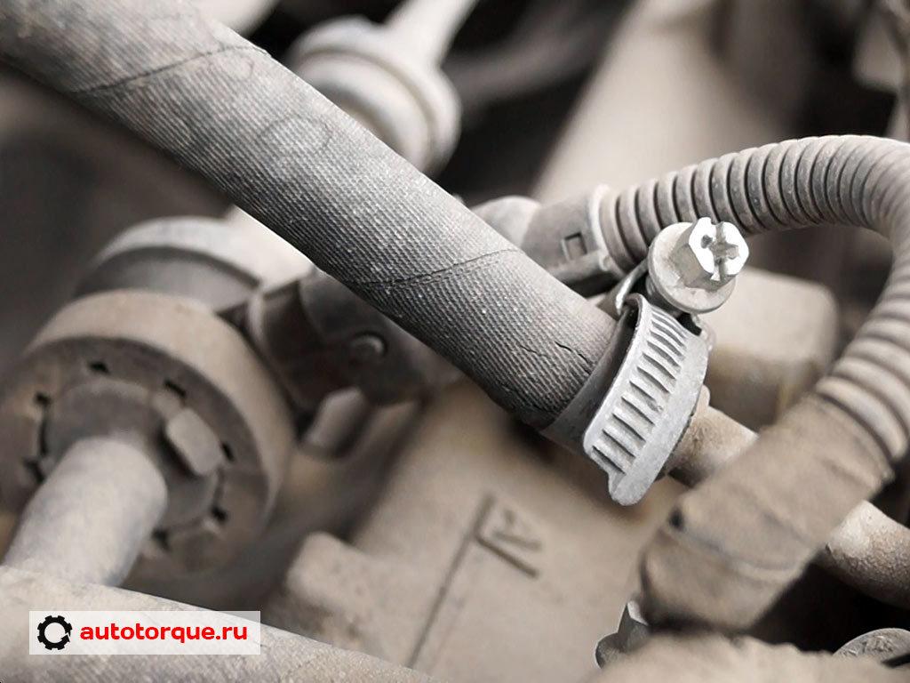 Opel Insignia топливная трубка