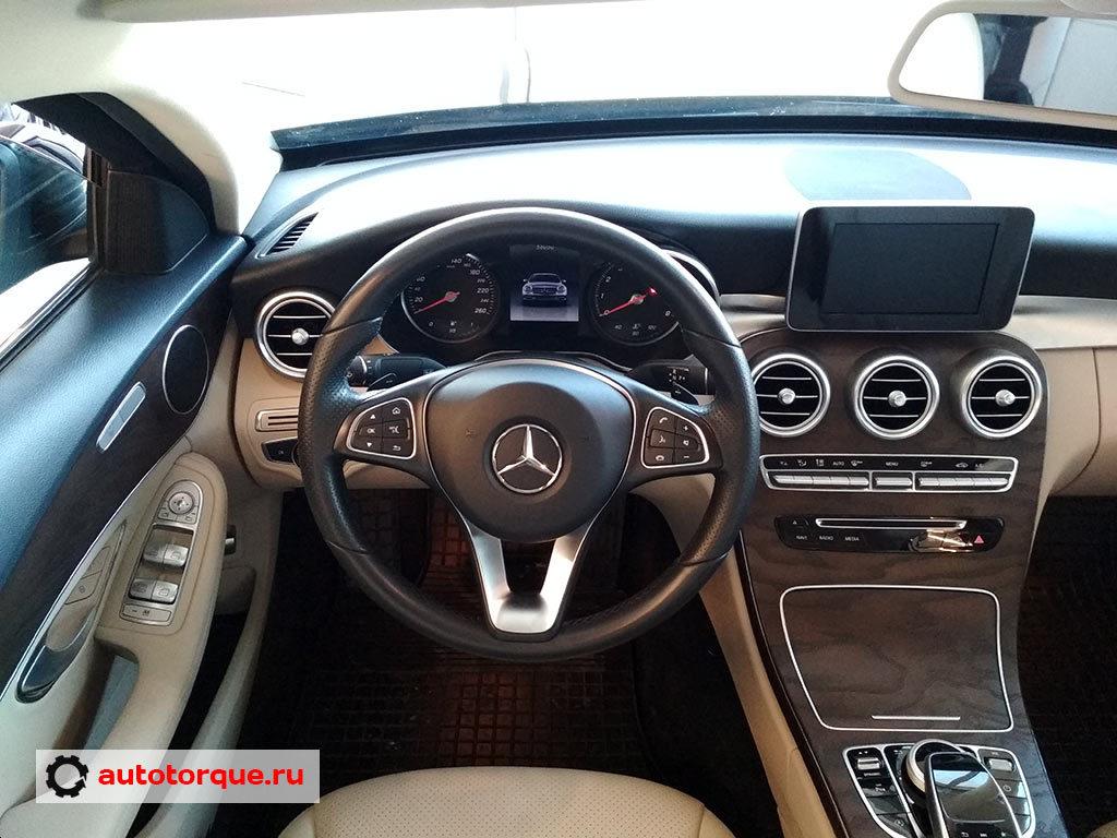 Mercedes-Benz-C-klasse-W205-салон-2