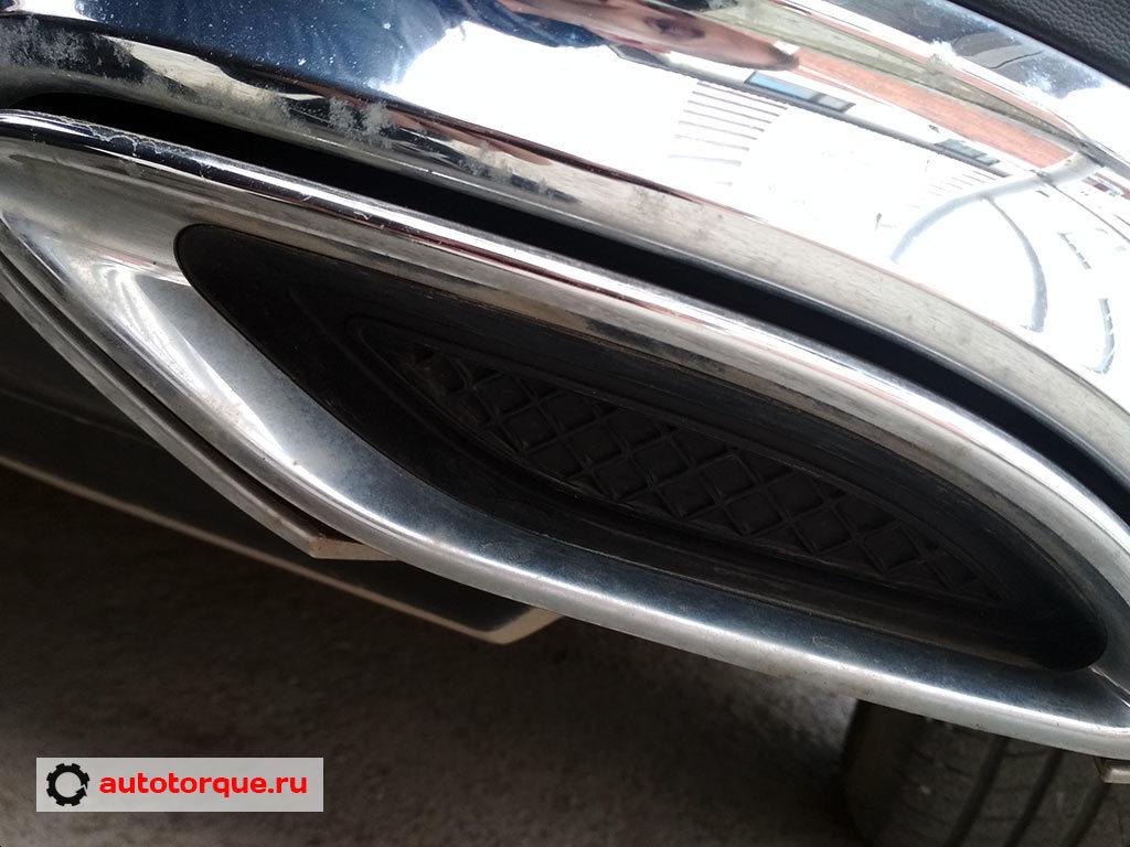 Mercedes-Benz-C-klasse-W205-слазит-хром
