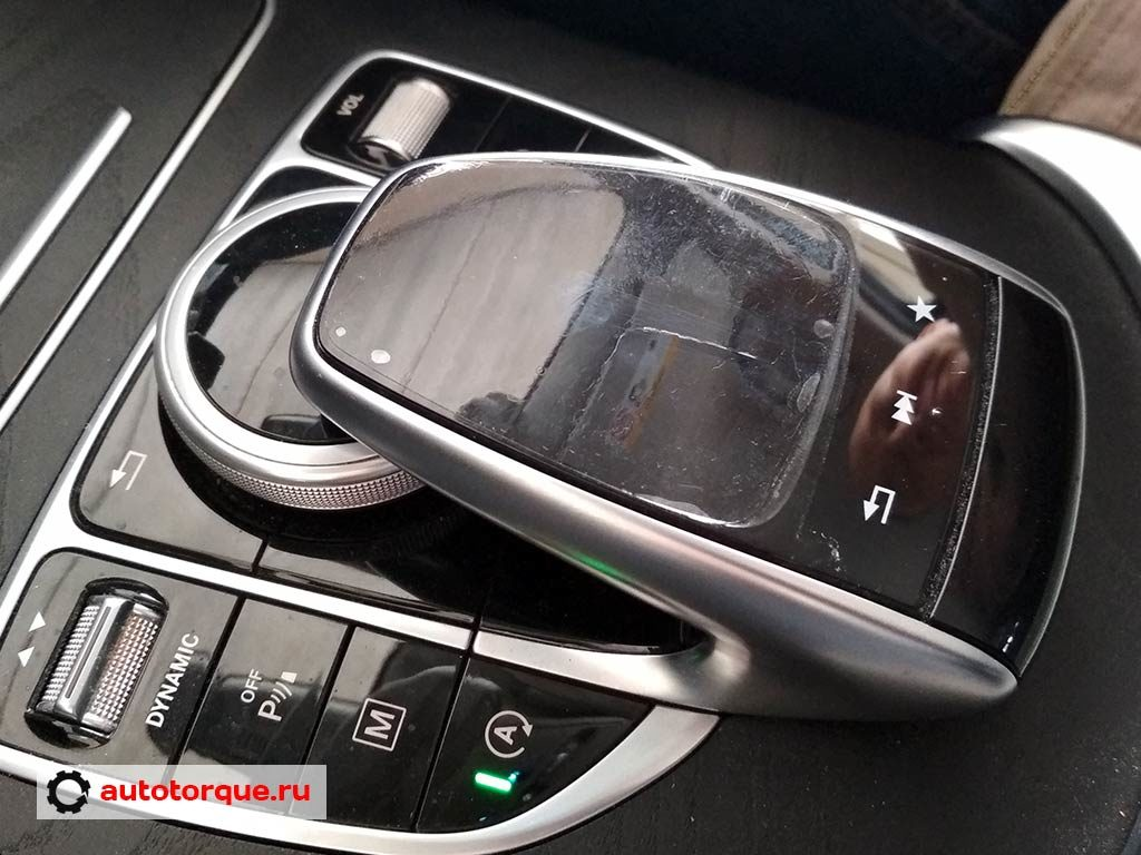 Mercedes-Benz-C-klasse-W205-сломан-тачпад