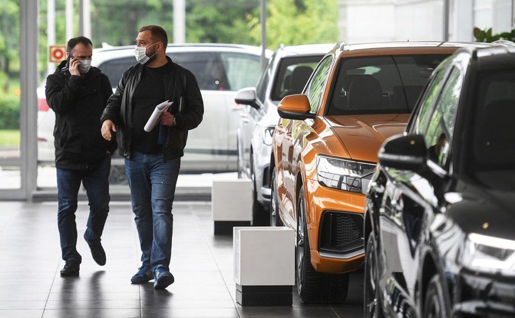 Свежая статистика ВТБ банка: машин покупают больше, чем в прошлом году!