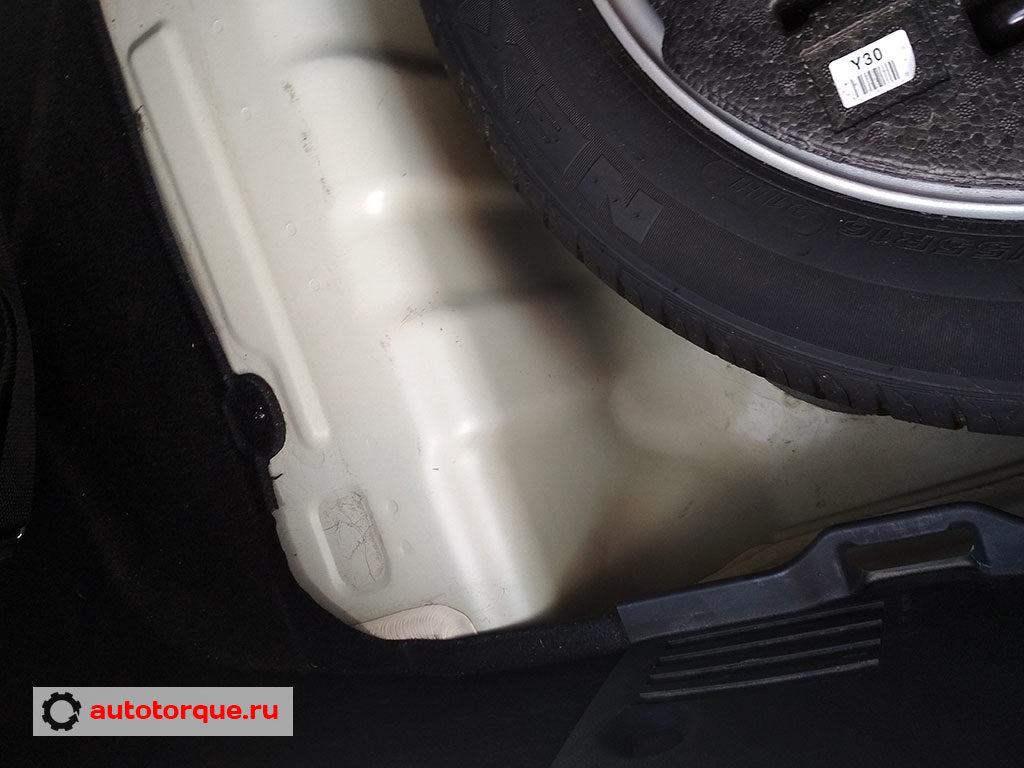 Kia Cerato 3 вода в багажнике