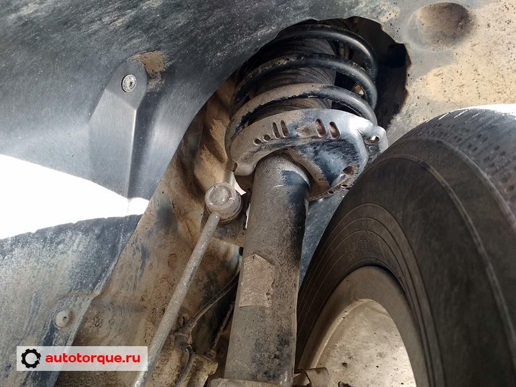 Skoda Kodiaq передняя подвеска амортизатор