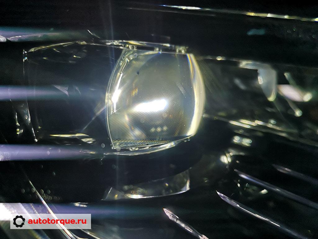 Skoda-Kodiaq-помутнела-LED-линза