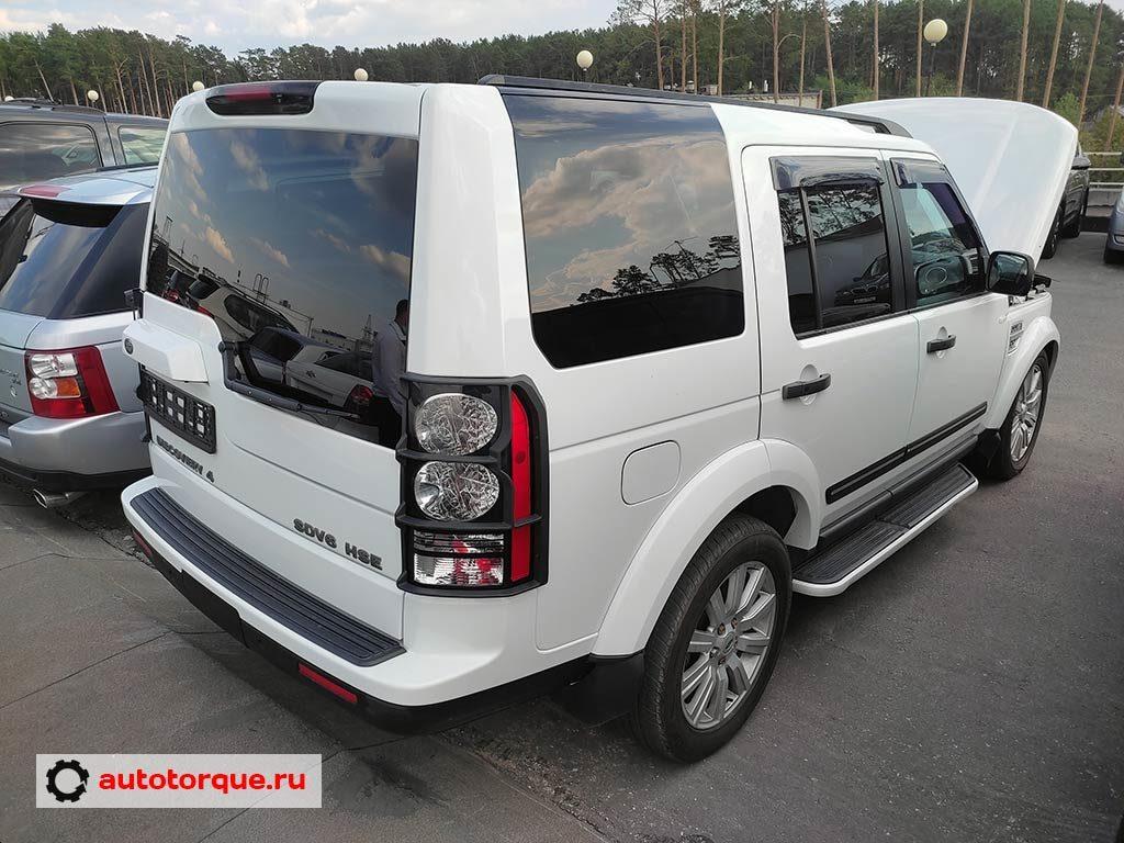 Land-Rover-Discovery-4-сзади-сбоку